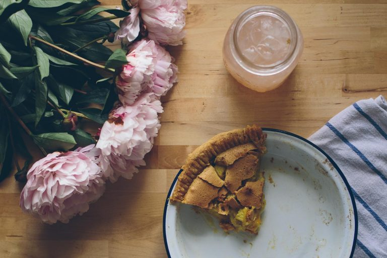 Grandma Toto's Rhubarb Pie (aka the best pie in the history of the universe)